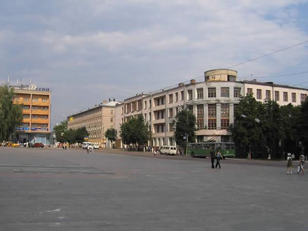 БГИТА на Площади Ленина