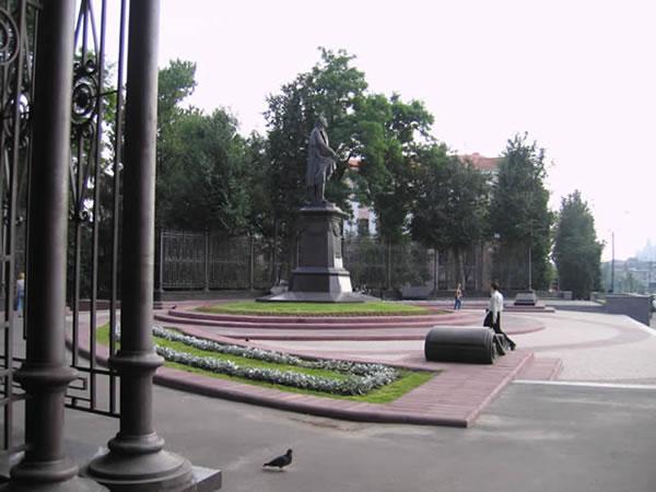 Памятник Тютчеву, фото 2